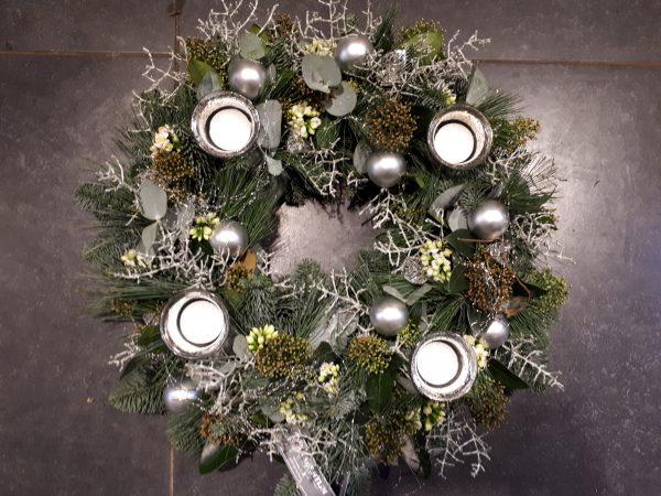 kerstkrans wit zilver
